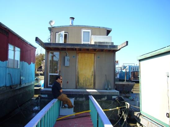Houseboat named Nomad